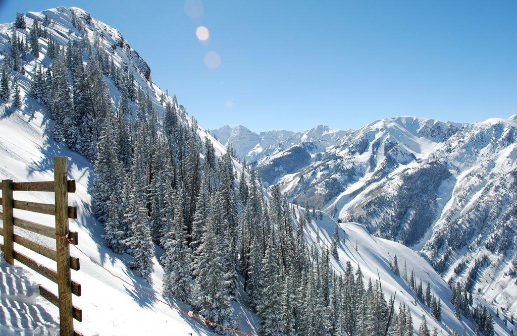Clark Weeks skiing Aspen